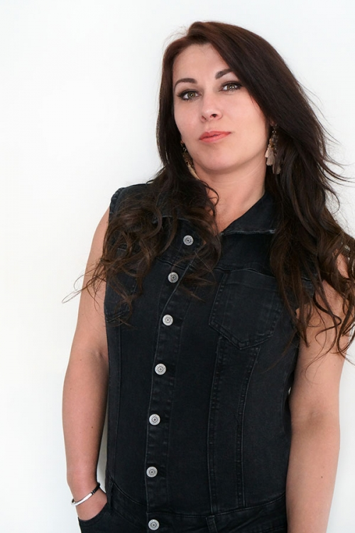 Singer and songwriter for several Dutch artists Simone Eversdijk